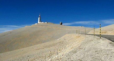 De top van de Mont Ventoux