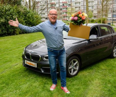 Stockbeeld Gaston auto + cheque