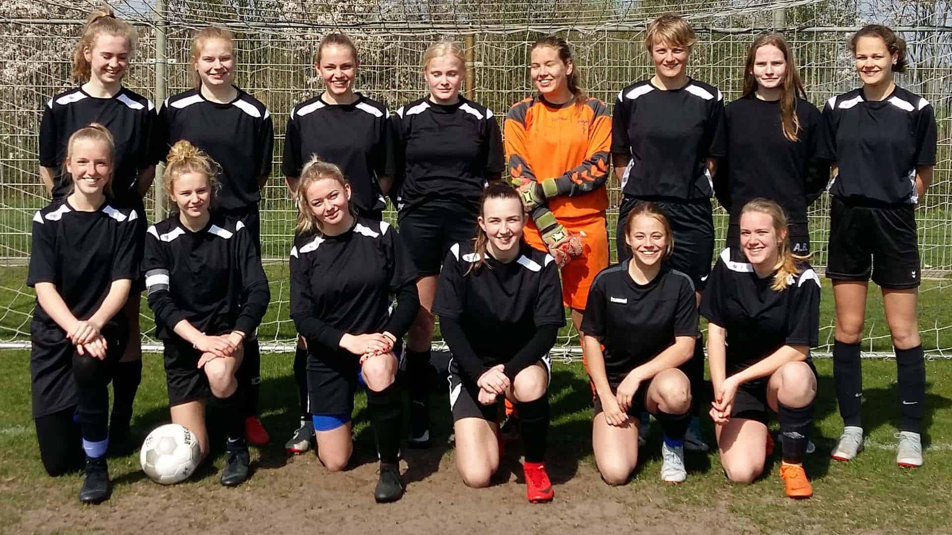 190412_damesteam_voetbal_RSG_schrijft_geschiedenis2