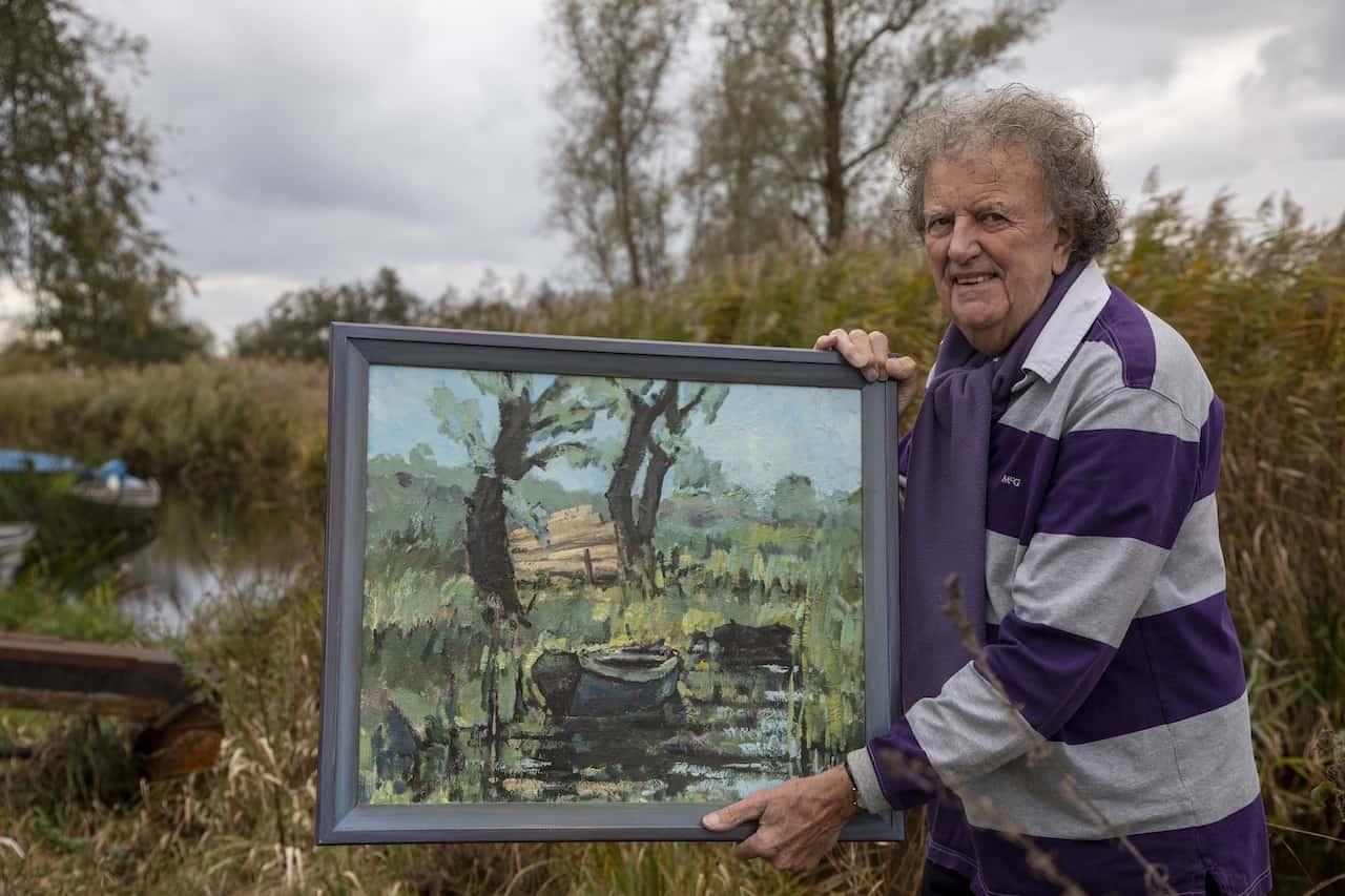 Jan Krikke met schilderij