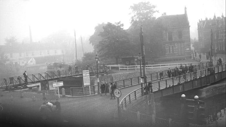 De-foto-van-de-deportatie-van-Joden-in-Zwolle-Foto-Historisch-Centrum-Overijssel